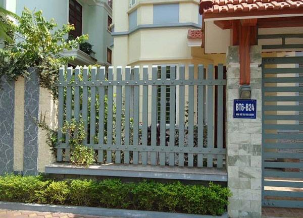 10 mẫu cổng hàng rào sắt hộp đẹp đơn giản 2019 7