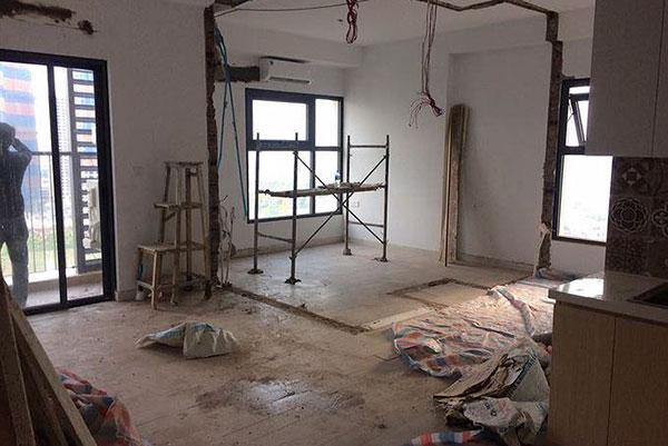 cải tạo phá dỡ tường xây thay thế bằng vách kính