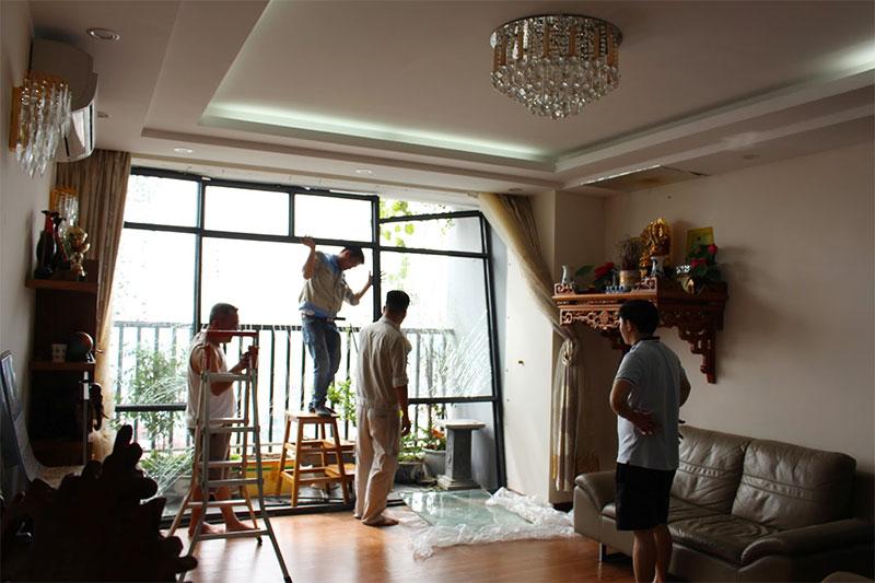 cải tạo sửa chữa vách kính cửa chung cư