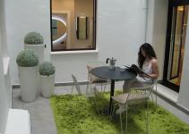 khu đọc sách trong vườn nhỏ xinh