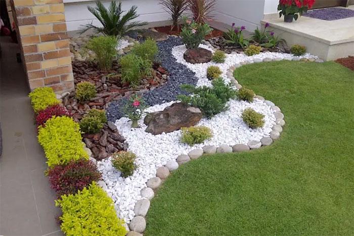 sử dụng sỏi để trang trí sân vườn