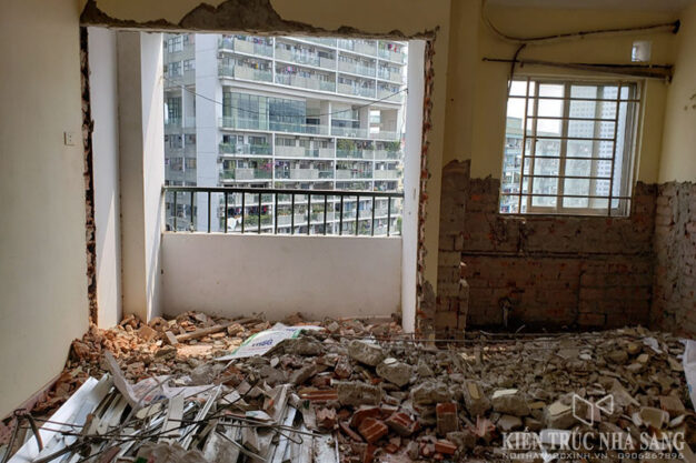 phá dỡ cải tạo mở rộng cửa ban công chung cư