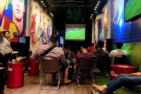 nội thất quán cafe bóng đá