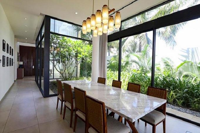 bố trí khéo léo ánh sáng tự nhiên và nhân tạo trong ngôi nhà